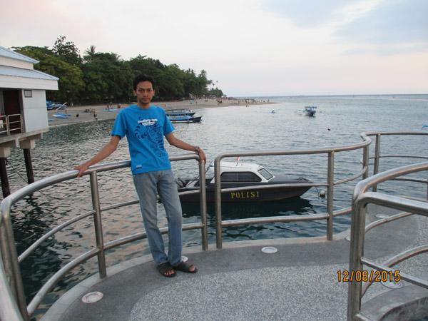 dermaga pantai senggigi lombok
