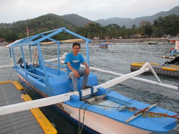 perahu pantai senggigi lombok
